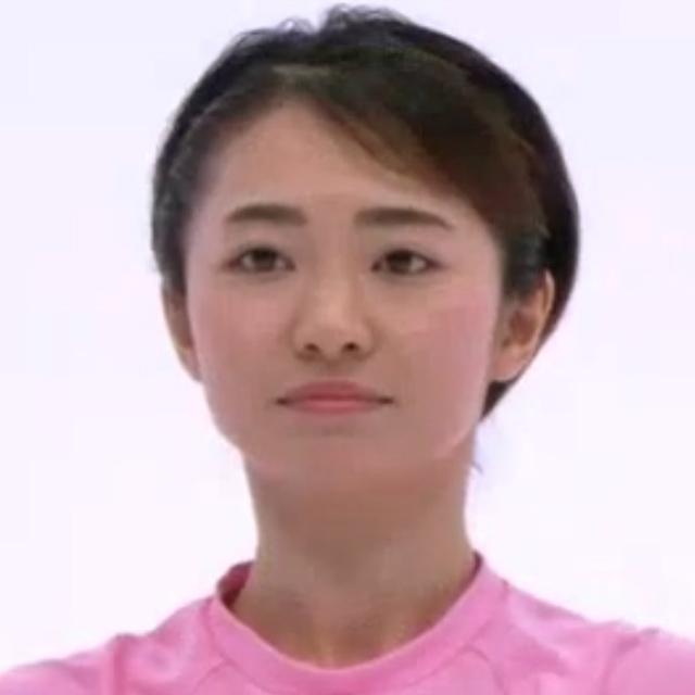 三枝奈々役の東松史子さん