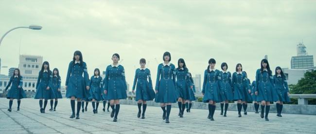 欅坂46『月曜日の朝、スカートを切られた』より