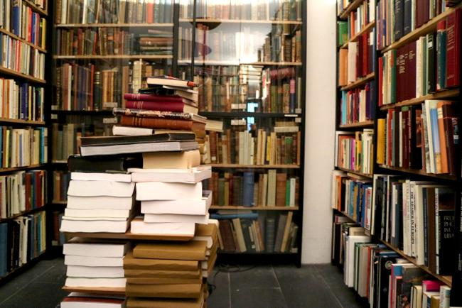 図書館(イメージ)