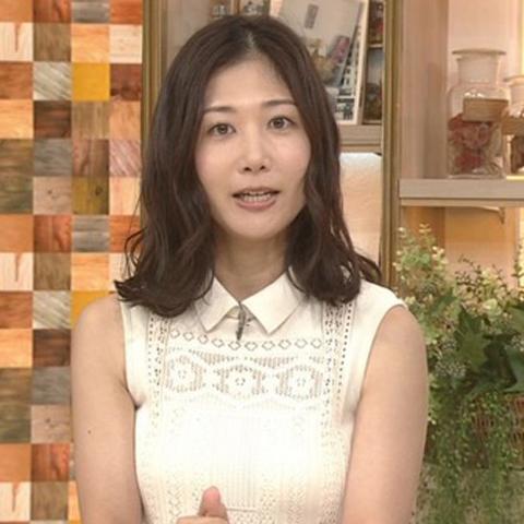 桑子真帆アナウンサーの衣装